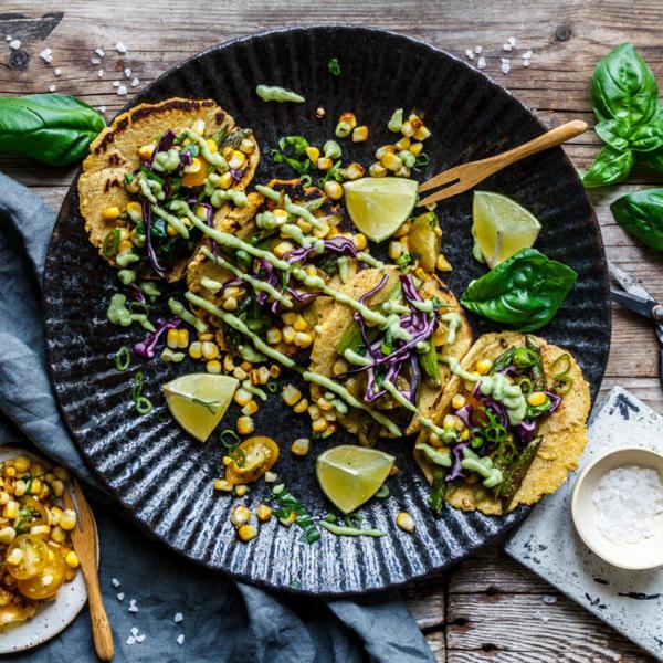 Spargeltacos mit Maissalsa und Avocadocrema von Eat This! | we love handmade