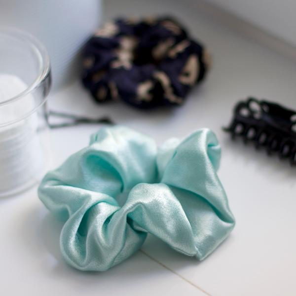 DIY: Scrunchie in Mint | we love handmade