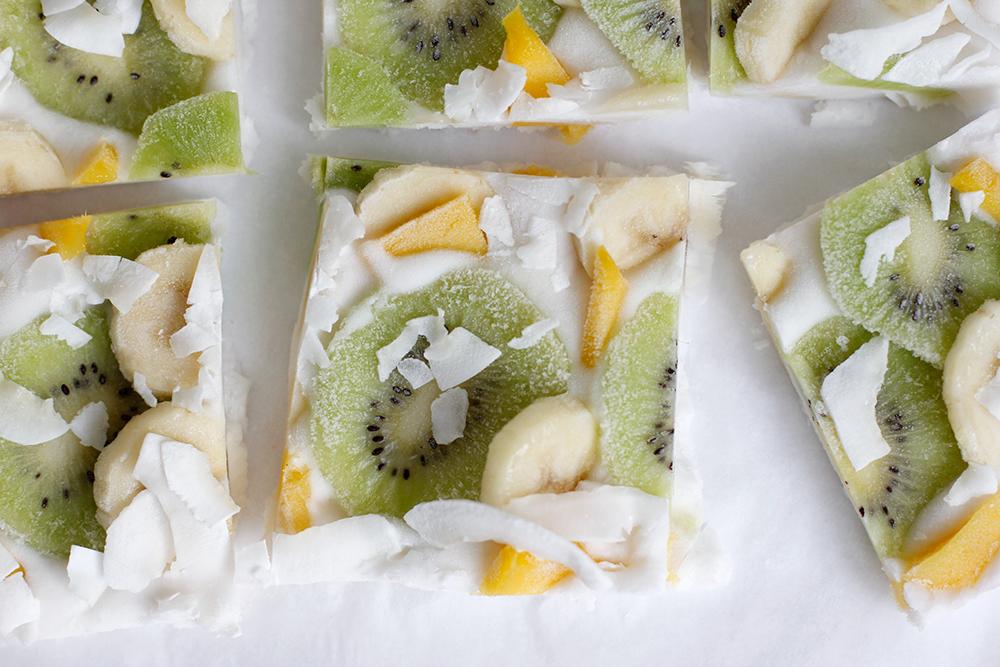 Rezept: Frozen Yogurt Bark vegan mit exotischen Früchten | we love handmade