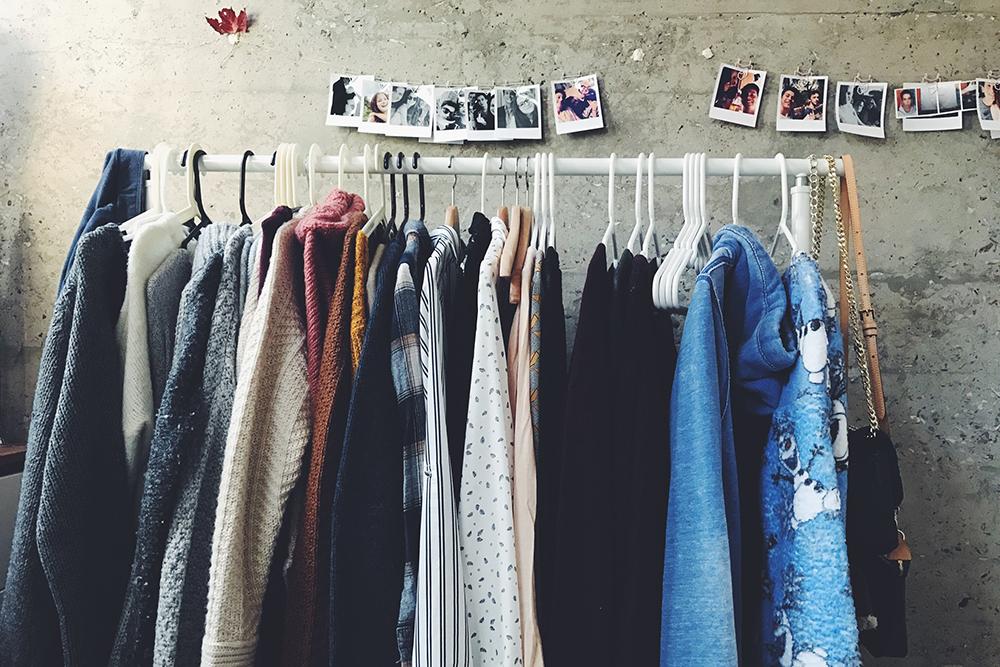 Sommer Kleiderkarussell im Das Dekagramm  Foto Das Dekagramm