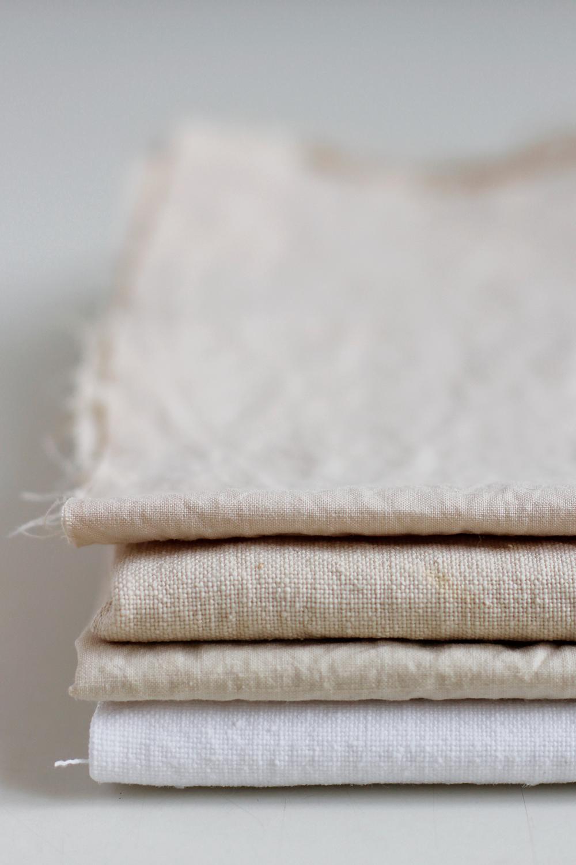 DIY: Stoff natürlich färben mit Zwiebelschalen | we love handmade