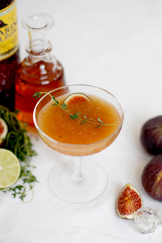 Drink: Feigen-Thymian-Cocktail mit einem Spritzer Limettensaft | we love handmade