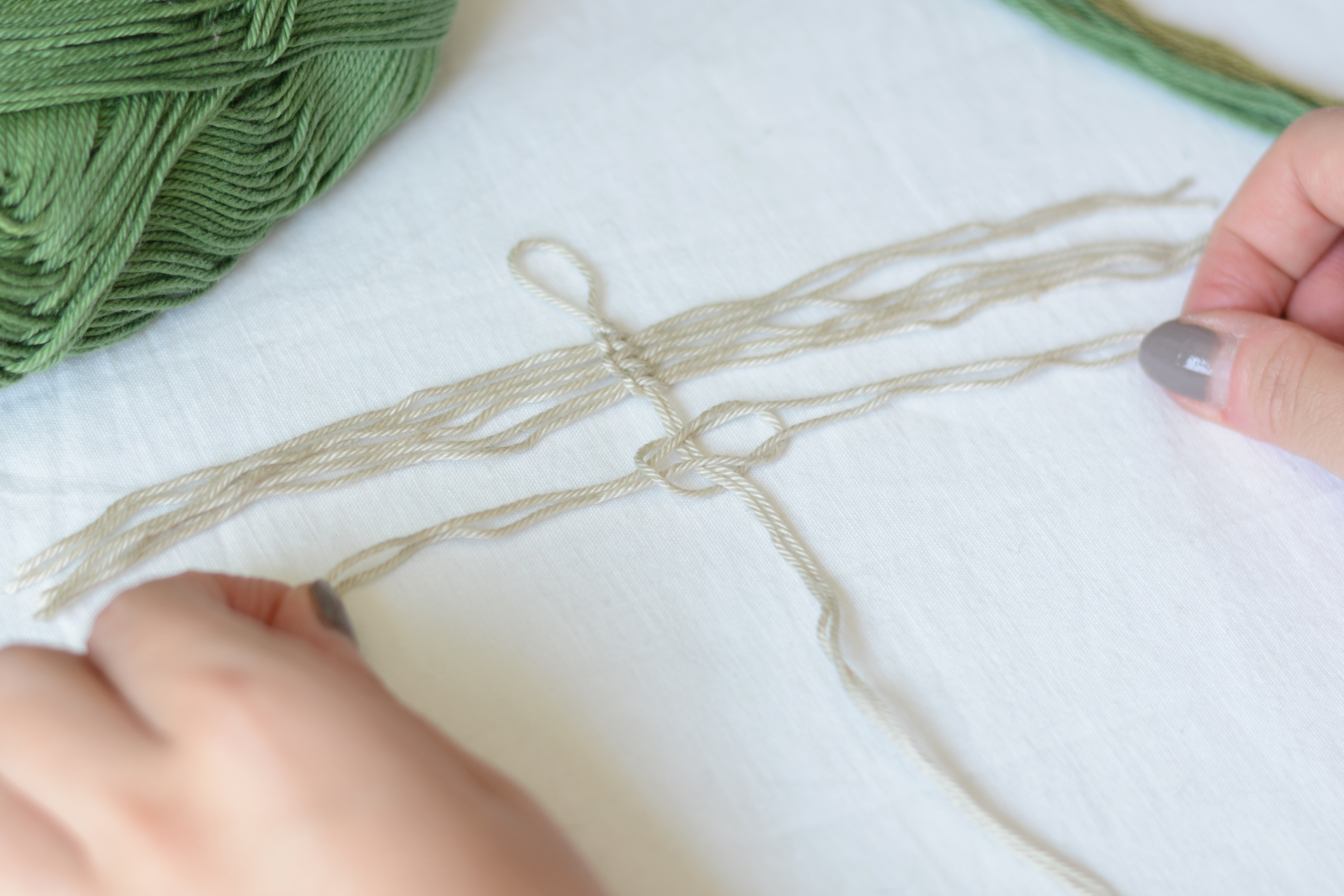 Makramee-Feder: how-to | we love handmade