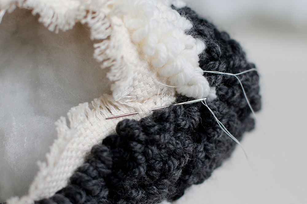 DIY: Punch Rug Stofftier - Öffnung ebenfalls zunähen | we love handmaded