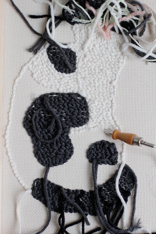 nch Rug Stofftier selber machen - dann mit der selben Farbe ausfüllend sticken | we love handmaded