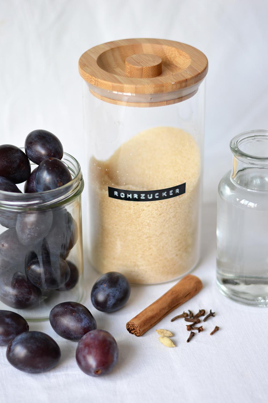 Eingelegtes Zwetschken-Kompott: Zutaten | we love handmade