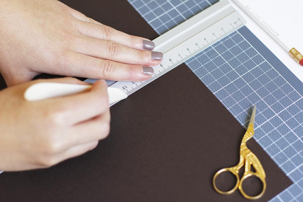 Gastgeschenk: DIY vorfalzen | we love handmade