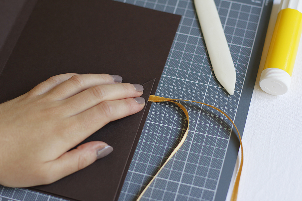 Gastgeschenk: Verpackung aus Papier | we love handmade
