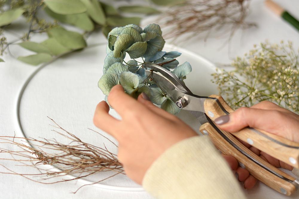 Herbstkranz Material vorbereiten | we love handmade