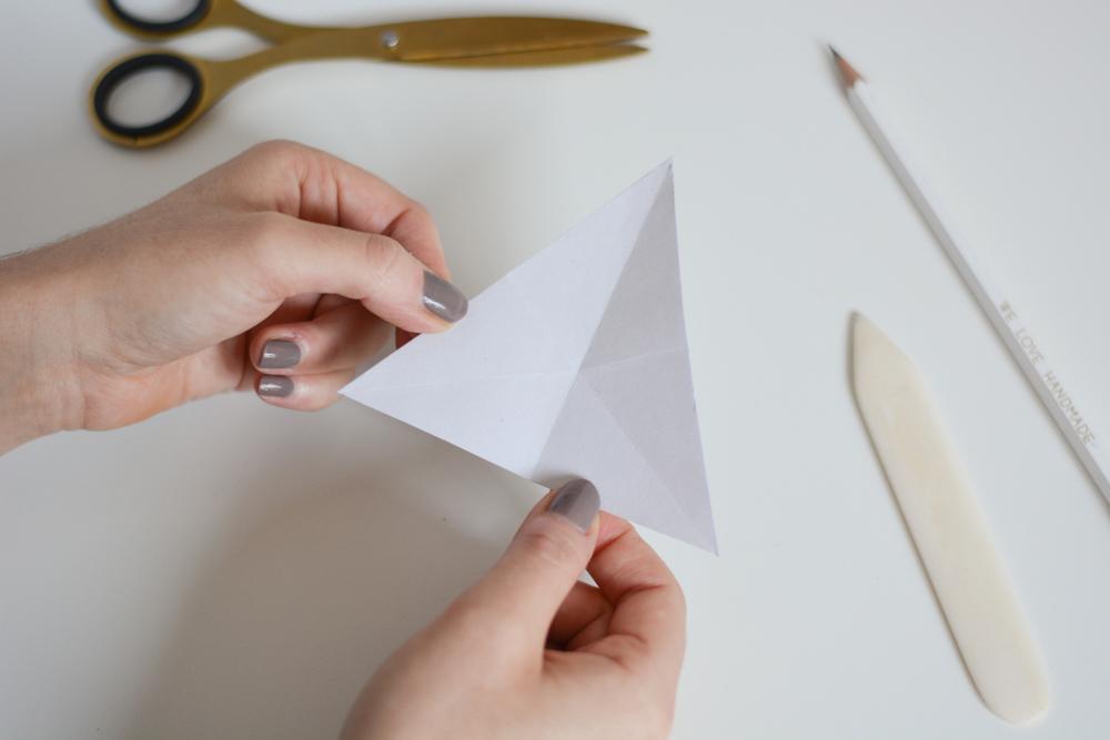 Faltanleitung: Origami-Stern | we love handmade