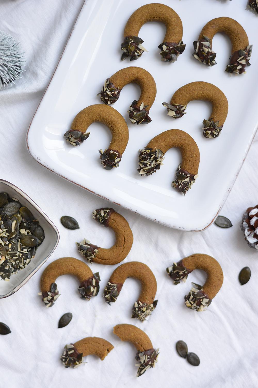 Kürbiskernkipferl backen | we love handmade