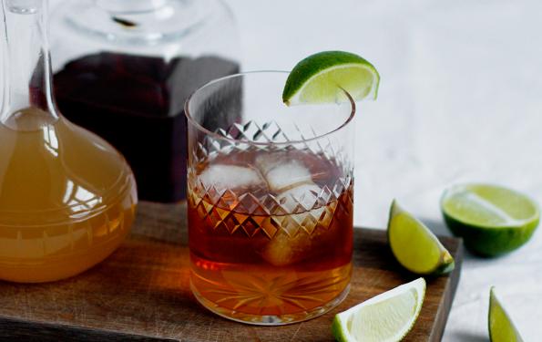 Drink: Rezept für winterlichen Dark and Stormy mit selbst gemachtem Ginger Beer  we love handmade