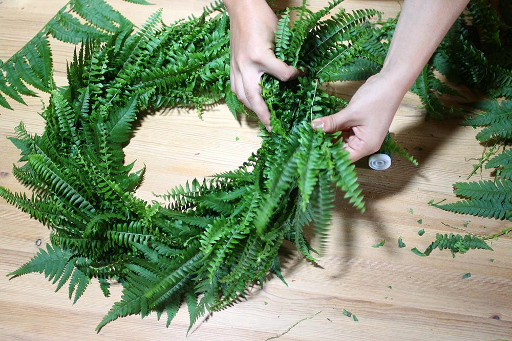 DIY: Türkranz aus Farn selbermachen | we love handmade