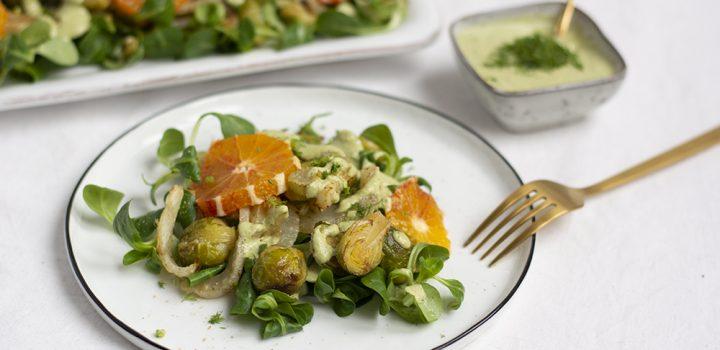 Rezept: Kohlsprossen-Fenchel-Salat mit Minz-Dressing und Blutorange
