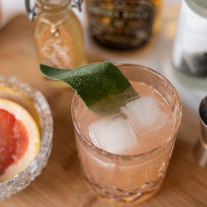Grapefruit Whiskey Sour: Drink | we love handmade