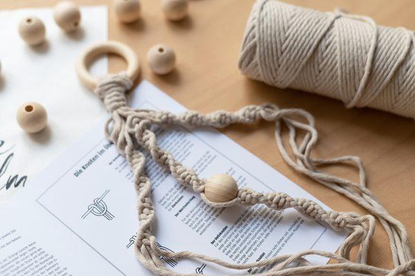 Makramee-Blumenampel Craft Kit | we love handmade