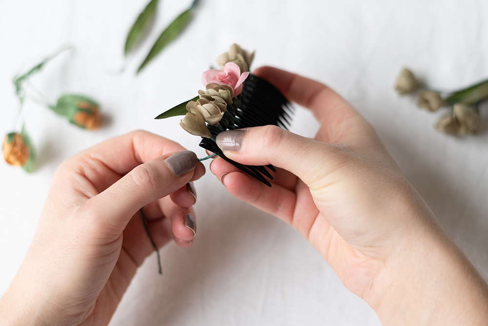 DIY: Blumen-Haarspange | we love handmade
