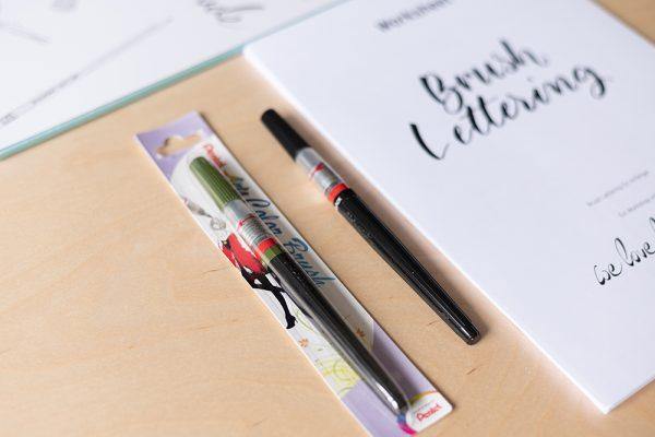 Pentel Arts Color Brush Pen: Schwarz und Olive Green | we love handmade