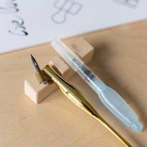 Pinselablage aus Holz | we love handmade