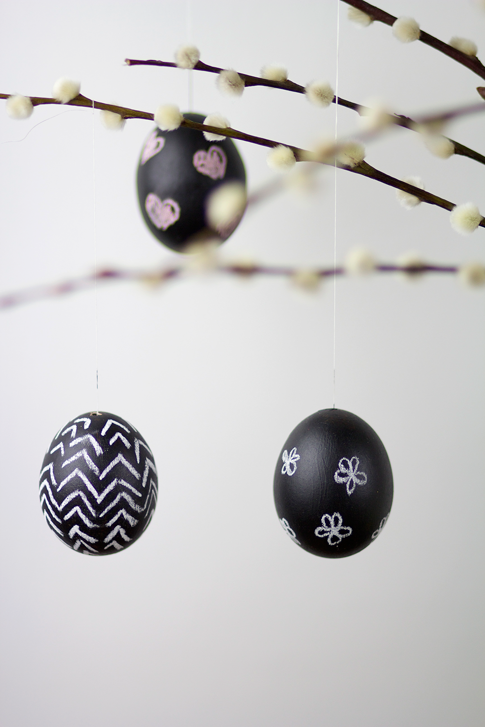 DIY: Ostereier mit Tafelfarbe bemalen | we love handmade