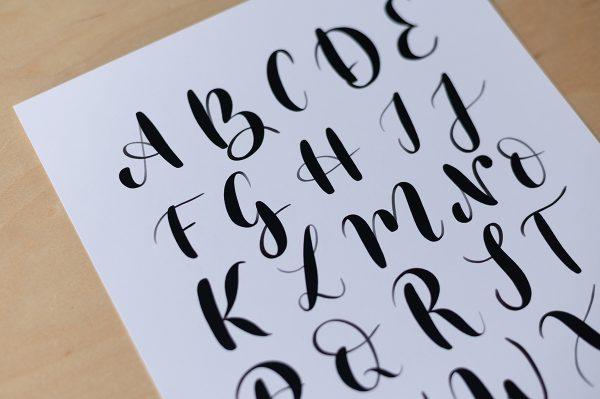 Brush Lettering: Großbuchstaben Printable | we love handmade