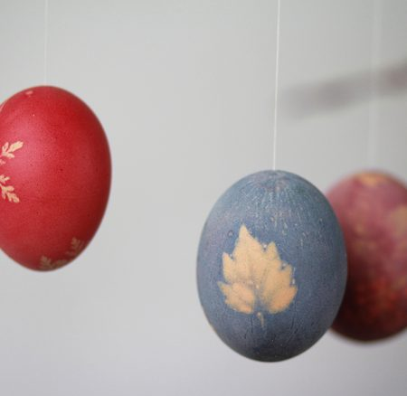 DIY: Ostereier mit Mustern färben