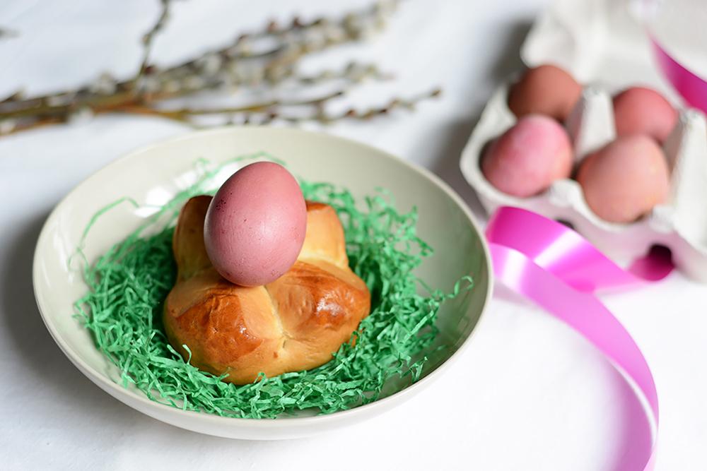 Eier mit Rübensaft färben | we love handmade