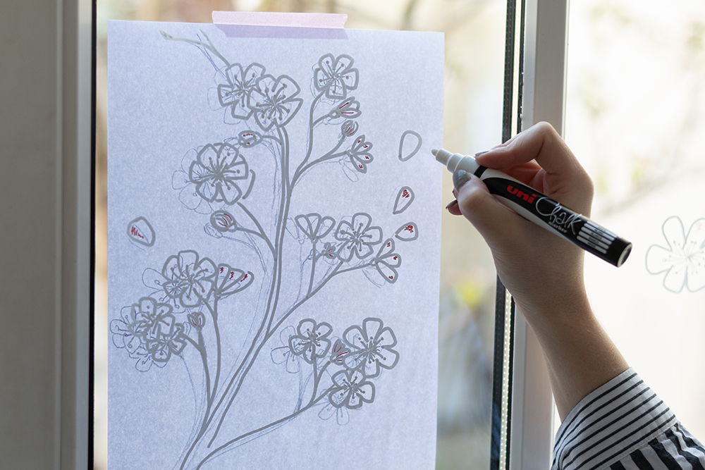 Illustration: Fenster bemalen mit Kirschblüte | we love handamde