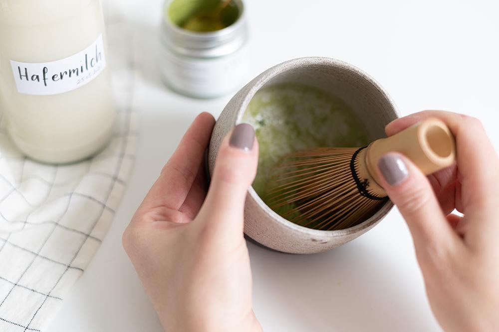 Vanilla Matcha Latte | we love handmade