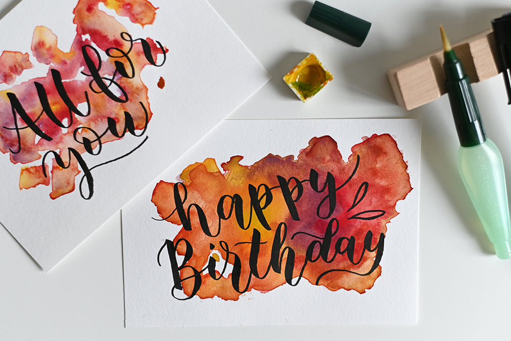 Brush Lettering mit Aquarell-Hintergrund   we love handmade