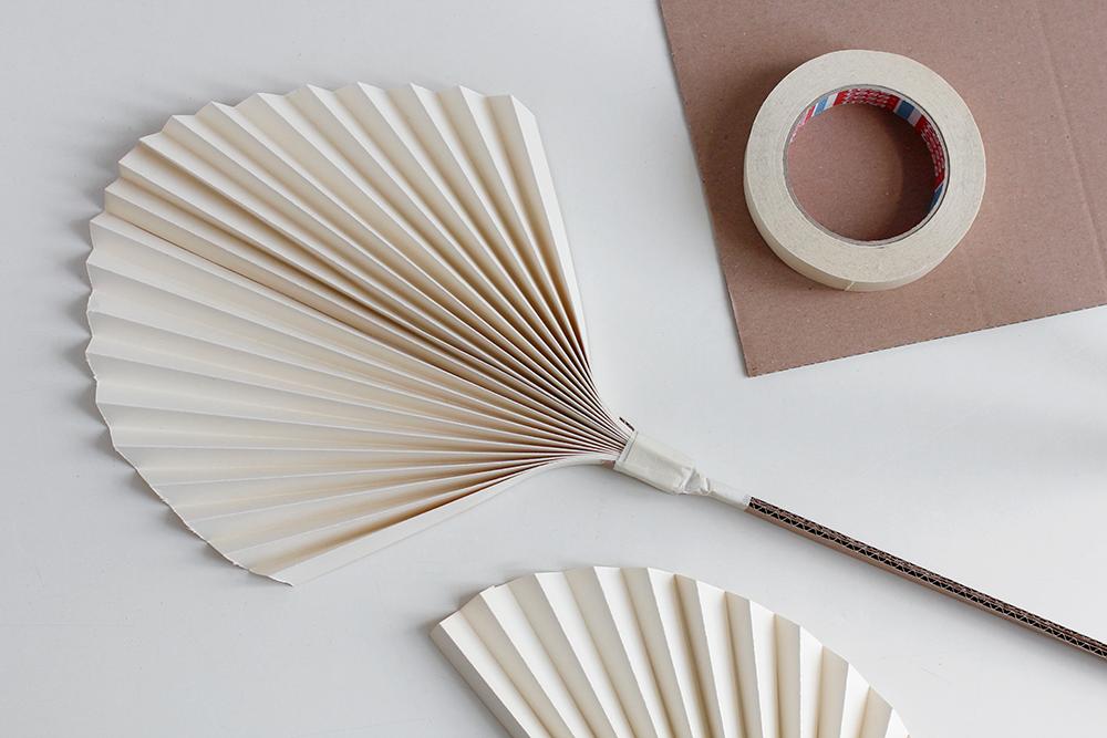 DIY: Getrocknete Palmwedel Papier | we love handmade