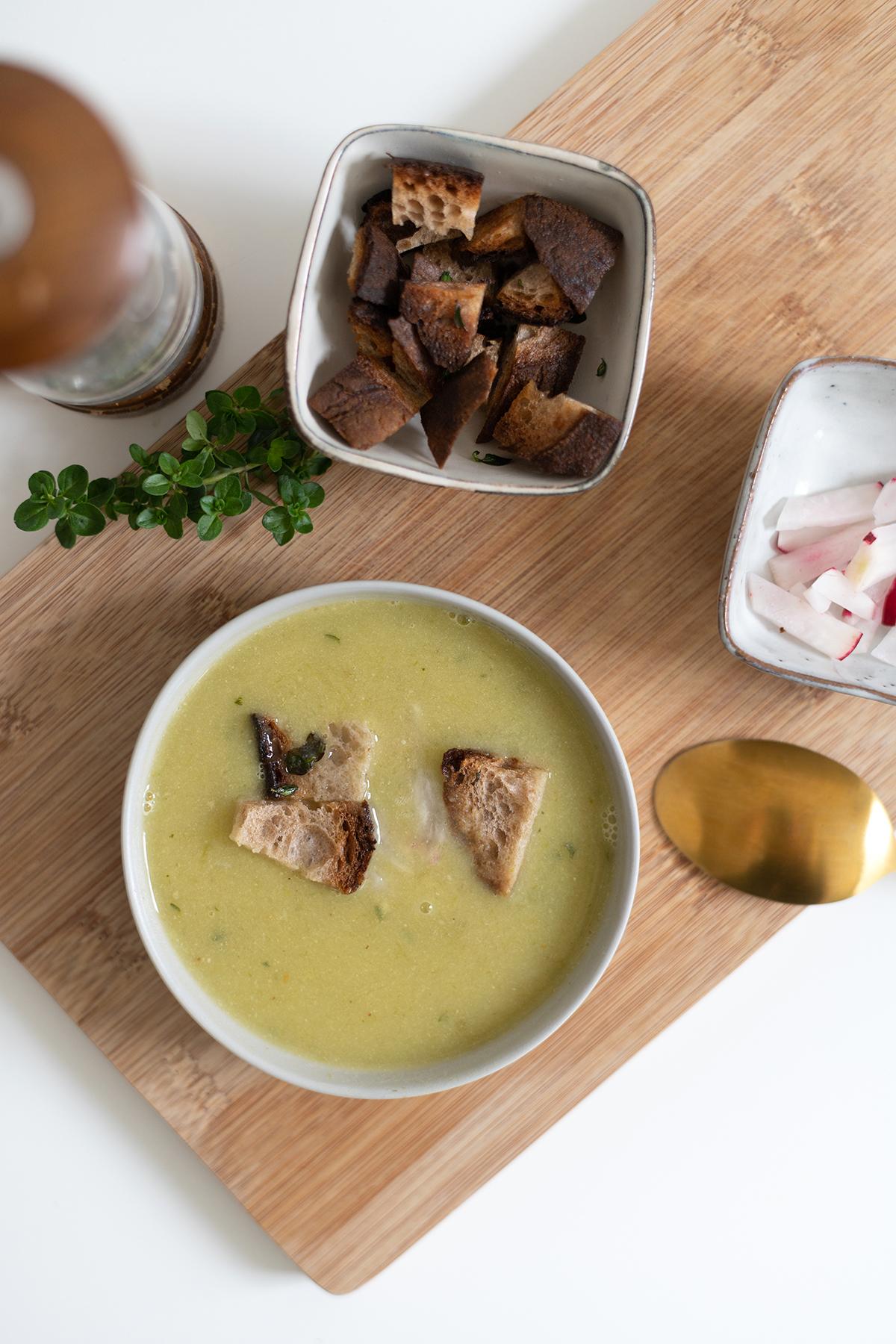 Knoblauchsuppe: Rezept | we love handmade