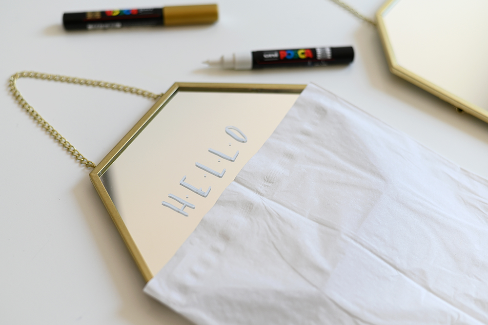 Spiegel beschriften: Lettering-DIY | we love handmade