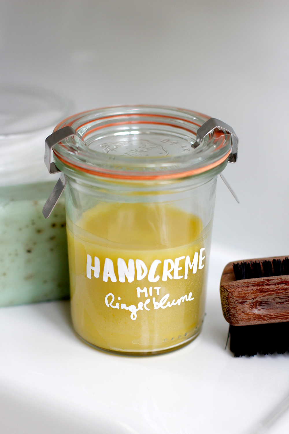 Beauty-DIY: Handcreme mit Ringelblume | we love handmade
