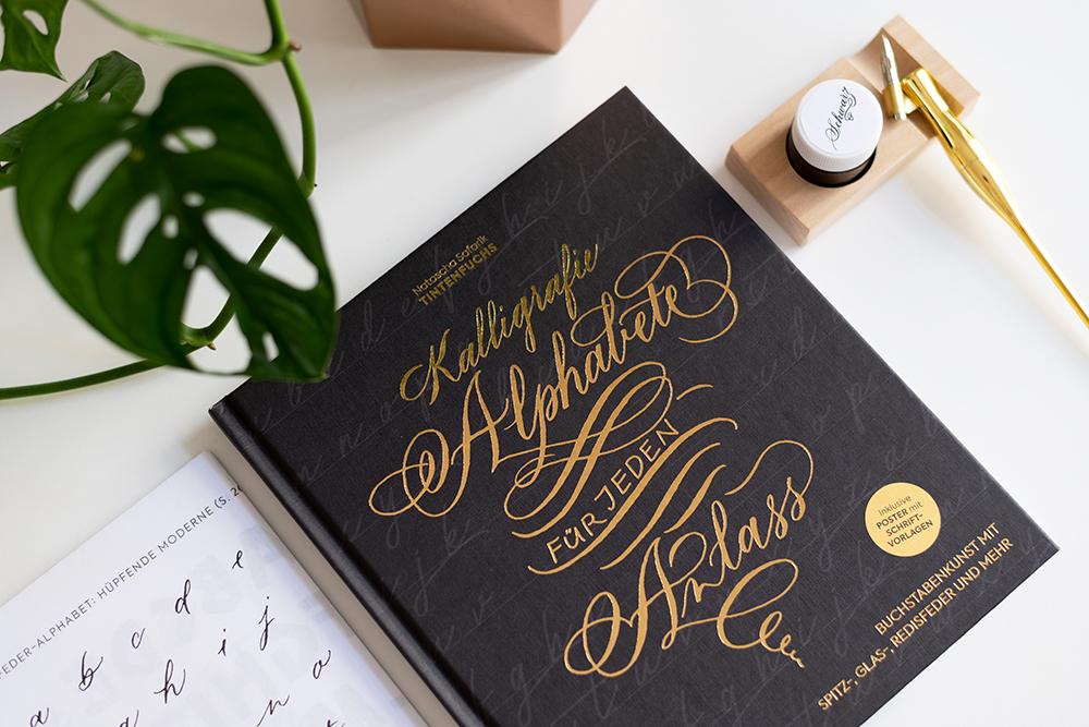 Buch-Tipp: Kalligrafie Alphabete | we love handmade