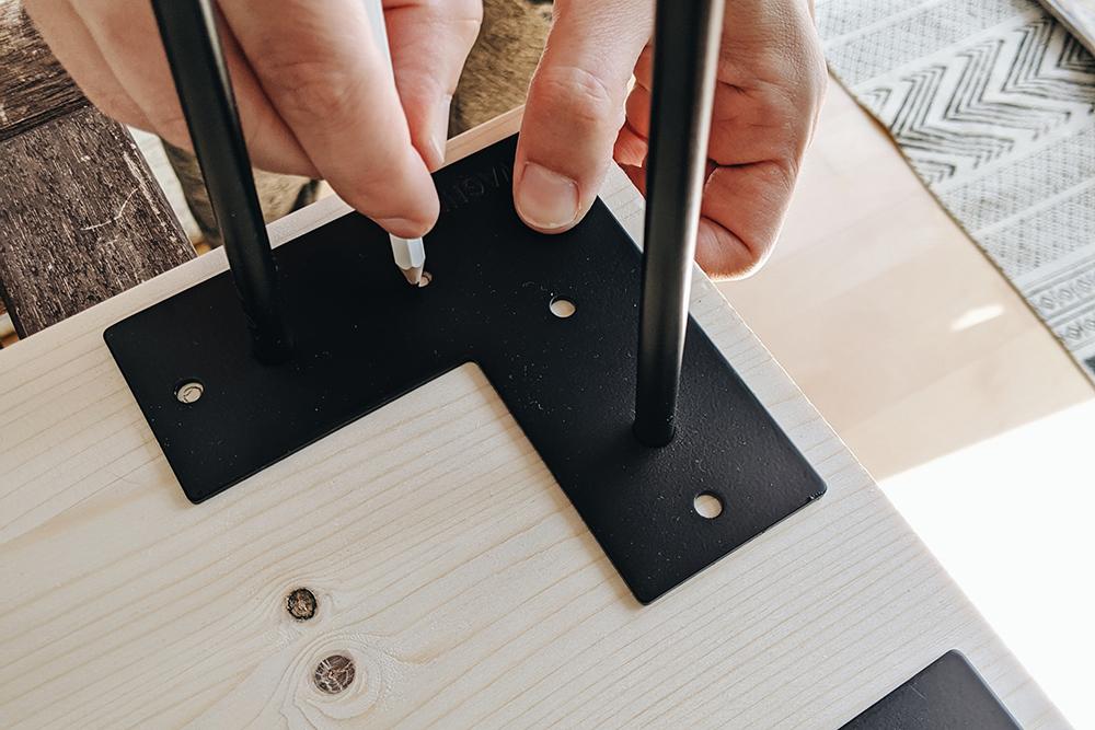 Holzbank mit Hairpin Legs selber machen |we love handmade