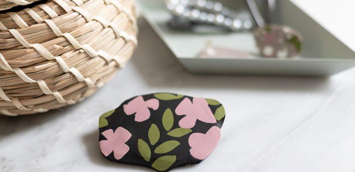 DIY: Fimo-Brosche mit Blumenmuster