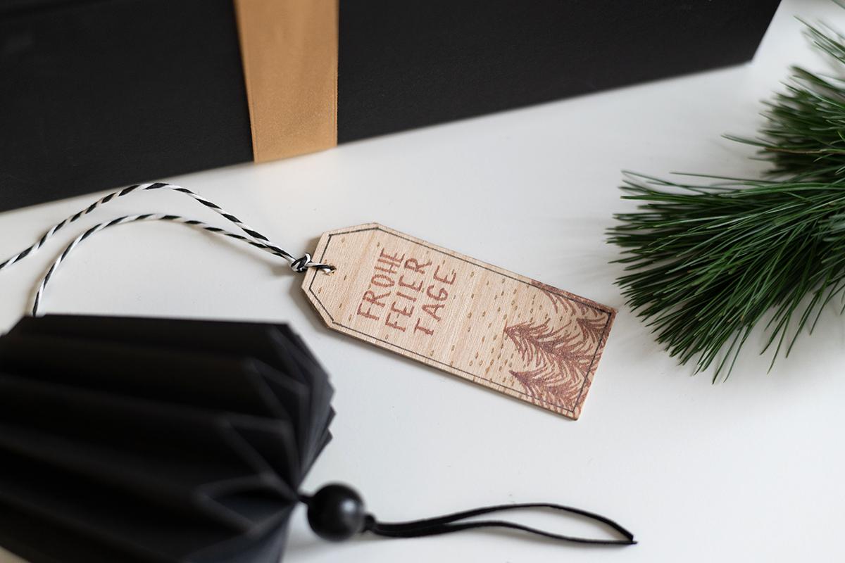 Geschenkanhänger aus Holz: DIY | we love handmade