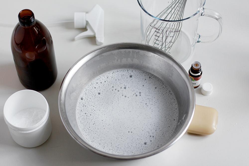DIY: Natron-Allzweckreiniger selbermachen | we love handmade