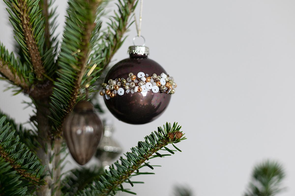 Perlen-Weihnachtskugel | we love handmade