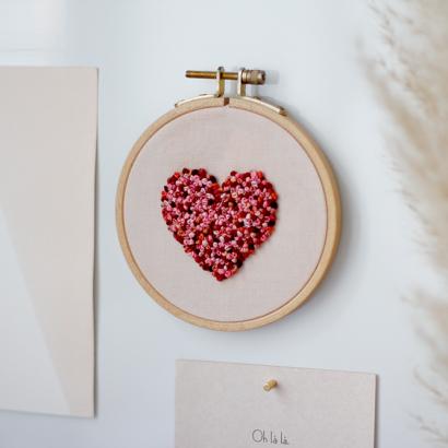 DIY: Herz-Stickbild Knoetchenstich zum Valentinstag | we love handmade