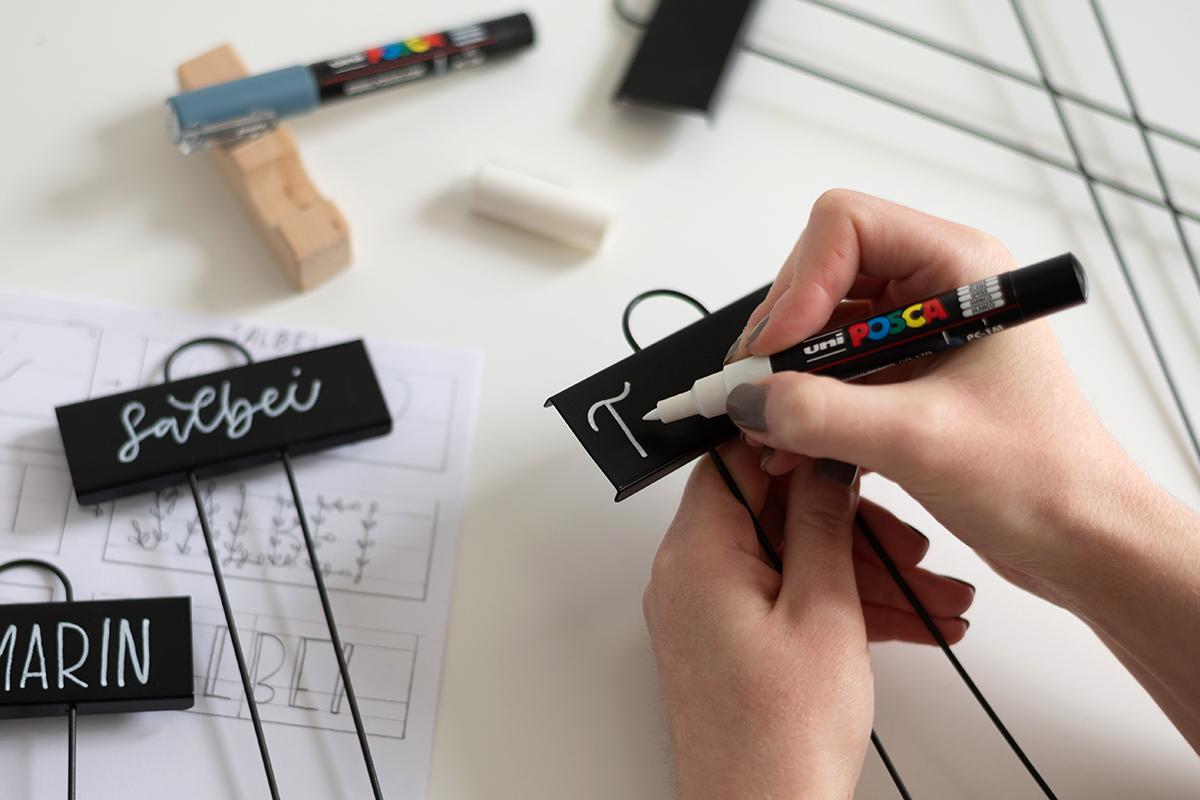 Pflanzenstecker beschriften: DIY   we love handmade