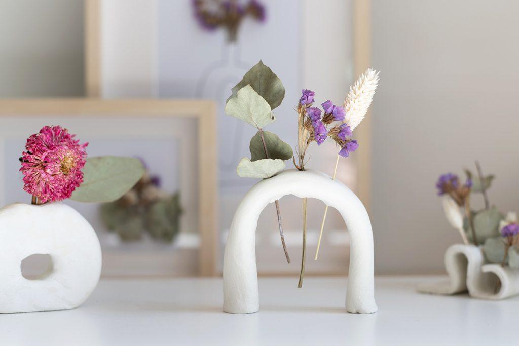 Clay-Trockenblumen-Vasen: DIY | we love handmade