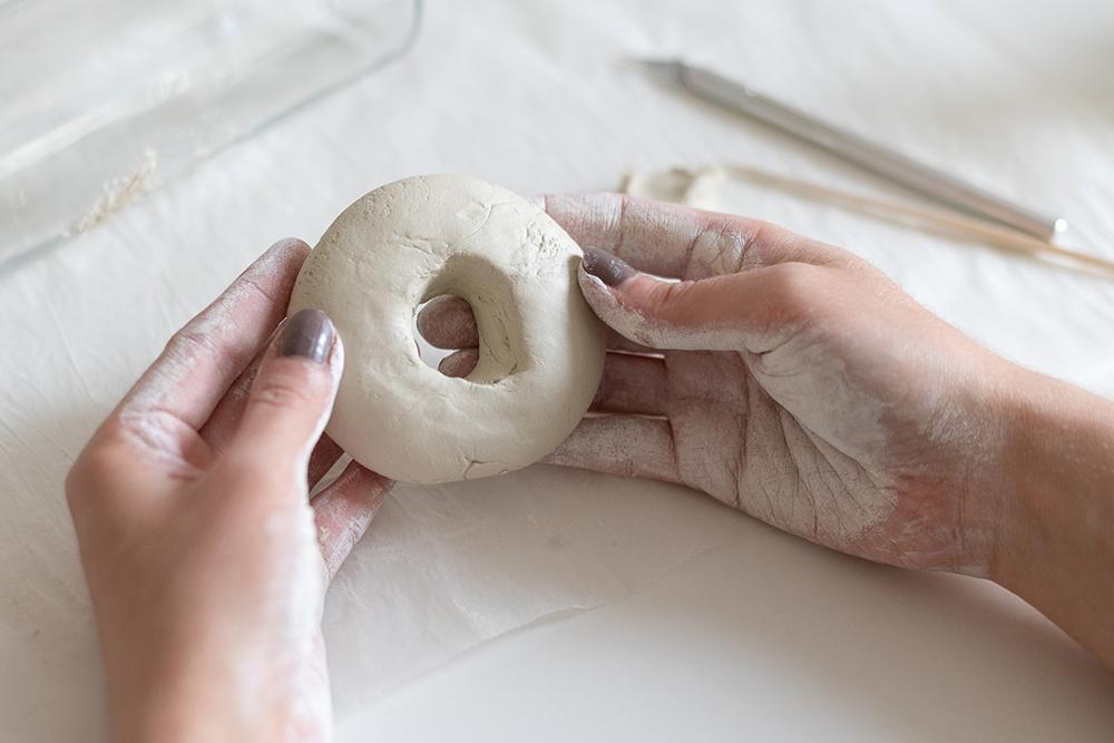 Trockenblume-Vasen aus Clay: DIY | we love handmade