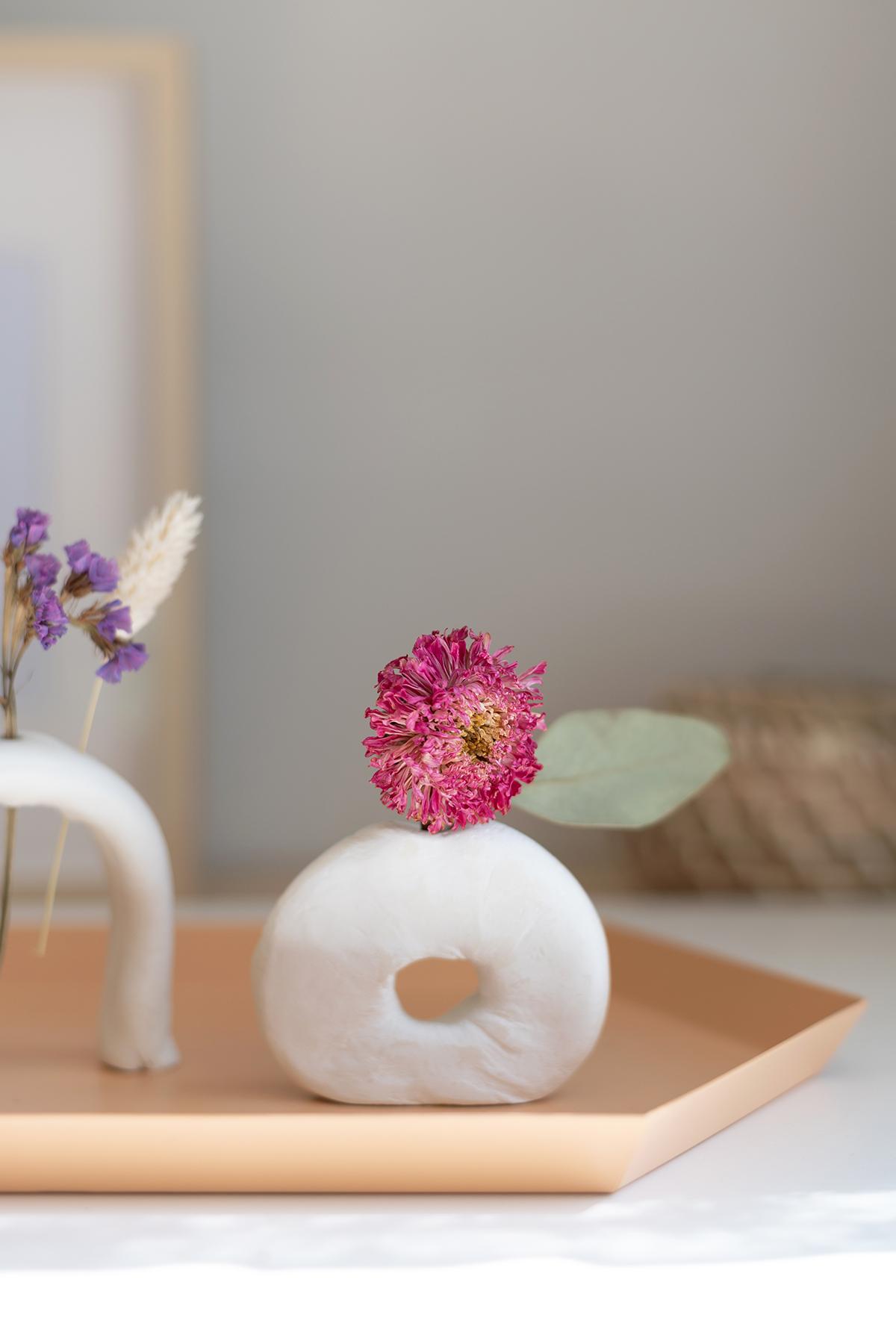 Vasen mit Trockenblumen | we love handmade