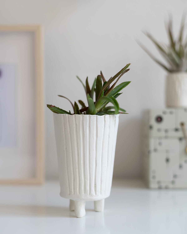 Blumentopf mit Füßen: DIY | we love handmade