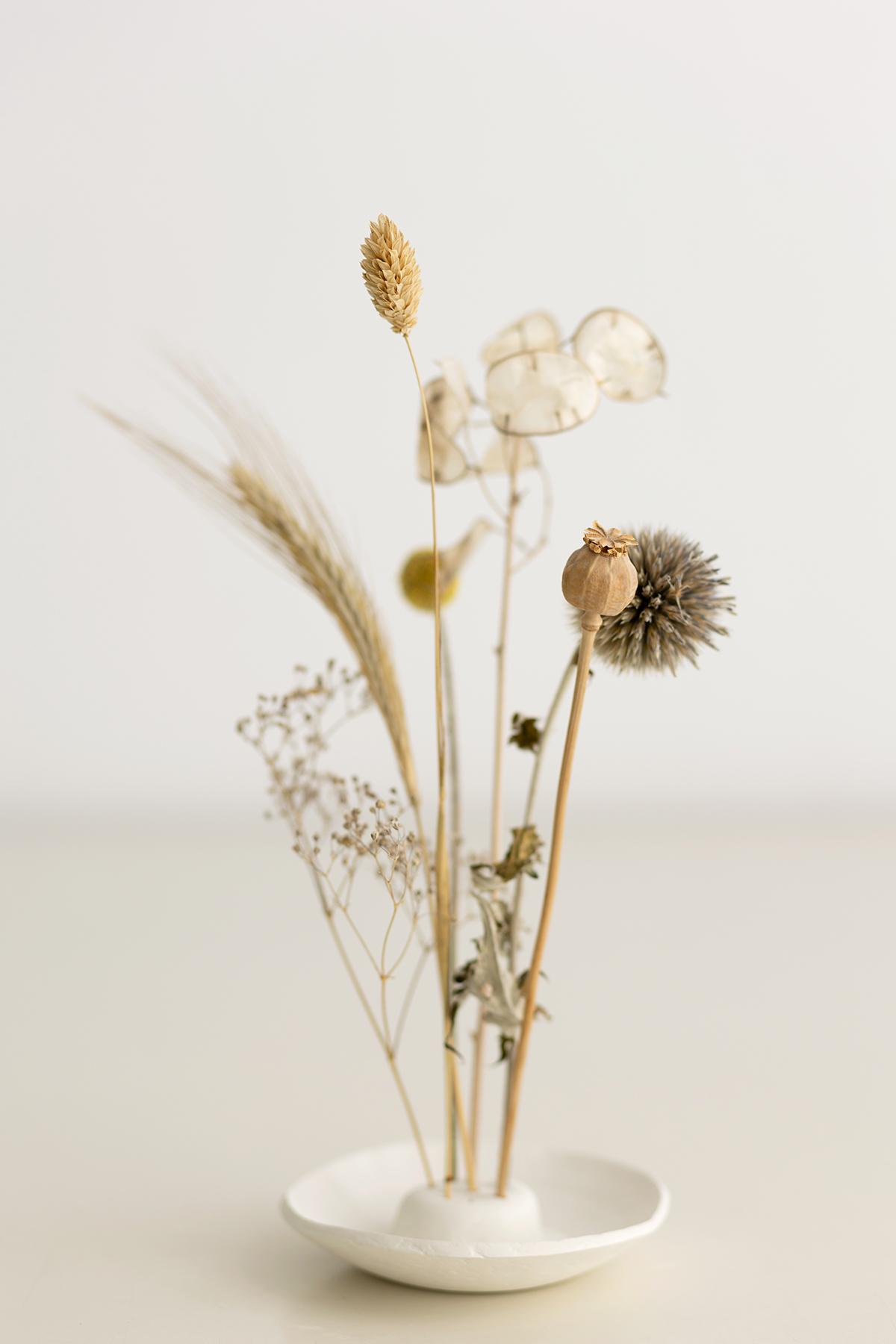 DIY: Trockenblumen-Display aus Modelliermasse selber machen   we love handmade
