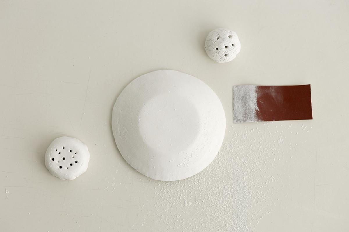 DIY: Trockenblumen-Display aus Modelliermasse - Unebenheiten schleifen   we love handmade
