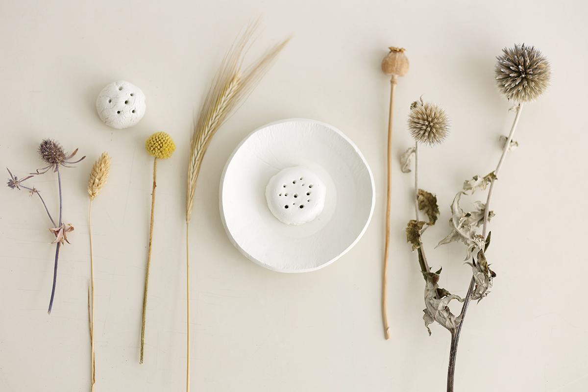 DIY: Trockenblumen-Display aus Modelliermasse - Blumen zusammenstellen   we love handmade