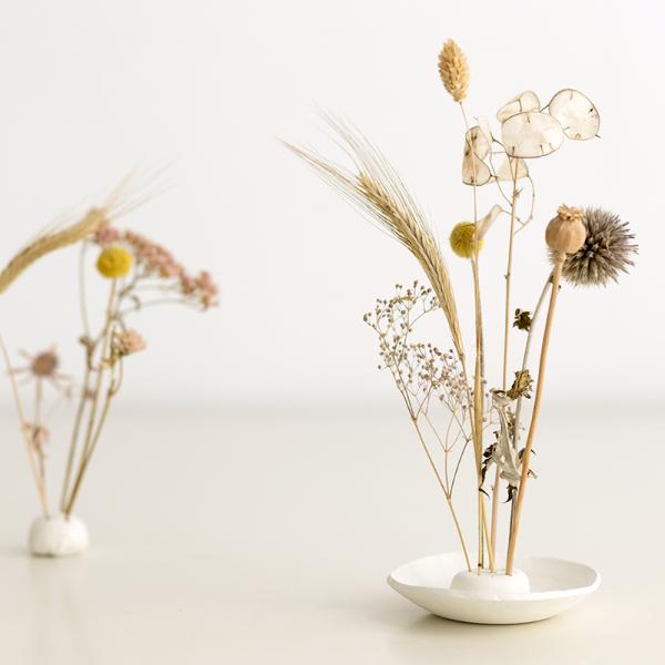DIY-Anleitung: Trockenblumen-Display aus Modelliermasse selber machen | we love handmade